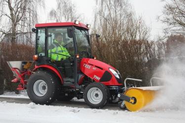 27 hk tym traktor vinterkagnepris 179 900